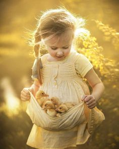 My Selection Of Fairy Tale-Like Photos Of Kids And Animals So Cute Baby, Cute Babies, Animals For Kids, Cute Baby Animals, Animals And Pets, Animals Photos, Animal Pictures, Strange Animals, Beautiful Children