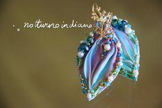 handmade shibori silk earrings di notturnoindiano su Etsy