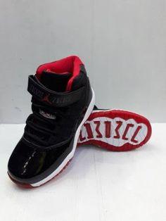 Apabila Kamu ingin membeli Produk sepatu kets atau maka Produk Sepatu Nike  air Jordan 11 import e79620447a