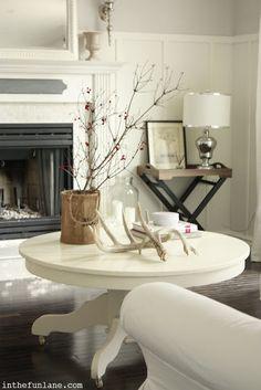 White Round Coffee Table Decorating Ideas.
