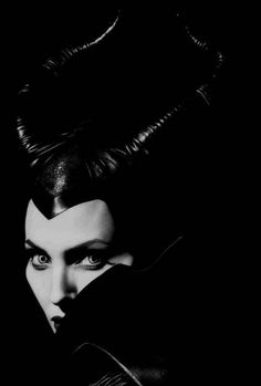 Maleficent / Angelina Jolie This film was absolutely amazing. Angelina Jolie is amazing, words cannot describe her talent. Loved this film! Angelina Jolie Maleficent, Disney Maleficent, Disney Villains, Disney Pixar, Maleficent Halloween, Evil Villains, Disney Animation, Disney Love, Disney Magic