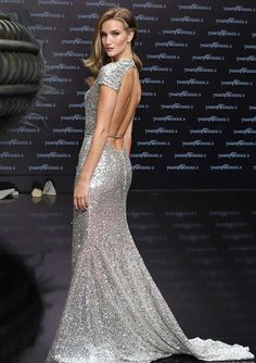 backless gown, beautiful rosie huntington-whitely