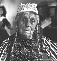Marken vrouw in klederdracht 1990 (Lobberig Zeeman)