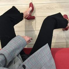 plaid + frayed edges + red pumps.