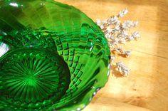 Mid Century Anchor Hocking Green Glass Swirled Candy Dish, Bowl, Nut Dish, Bureau Dish, Green Glass Dish, Home Decor