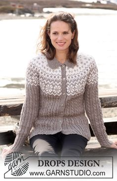 DROPS Jacket in Karisma with Norwegian pattern, cables and round yoke sleeves. Size S to XXXL. Free pattern by DROPS Design. Fair Isle Knitting Patterns, Fair Isle Pattern, Knit Patterns, Drops Patterns, Stitch Patterns, Tejido Fair Isle, Fair Isle Pullover, Drops Design, Knit Jacket