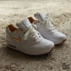 Nike Air Max 1 FB Woven White/Metallic Gold/Gum @ The Point Online Store Tienda