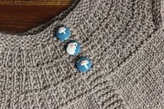 Bitty Front Range Pattern Notes: This little baby cardigan is worked top down, features a three button closure, garter stitch edging and a broken rib Knitting For Kids, Baby Knitting Patterns, Front Range, Work Tops, Baby Cardigan, Garter Stitch, Little Babies, Belly Button Rings, Turquoise Necklace