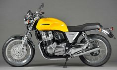 "| Possible 2017 CB1100 Production Bike for the USA? | Say hello to another concept motorcycle that Honda will have on display for the 2015 Tokyo Motor Show. This B-E-A-UTIFUL yellow Honda CB1100 is referred to as ""CB1100 Concept"". It's going to be paired up with the black ""CB1100 Custom Concept"" that you can find more …"