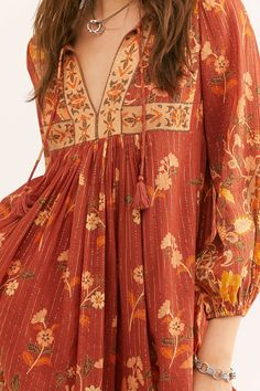 Excellent boho dresses are offered on our internet site. look at this and you wont be sorry you did. Dress Neck Designs, Stylish Dress Designs, Stylish Dresses, Stylish Outfits, Casual Dresses, Maxi Dresses, Indian Fashion, Boho Fashion, Fashion Dresses