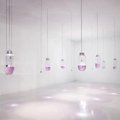 """De alta tecnología de instalación de iluminación por Simon Heijdens crea """"dibujos 3D en el agua"""" - http://www.decoracion2014.com/otros/de-alta-tecnologia-de-instalacion-de-iluminacion-por-simon-heijdens-crea-dibujos-3d-en-el-agua/"""
