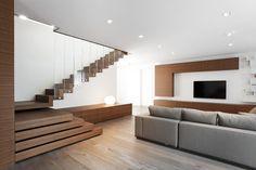 Z House, Mogliano Veneto, Italy - EXiT architetti associati Home Stairs Design, Interior Stairs, House Design, Stairs In Living Room, House Stairs, Contemporary Architecture, Interior Architecture, Modern Stairs, Interior Decorating