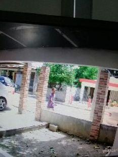 Insólito!! Ladrón roba motor y vuelve por casco protector enDajabón  Santo Domingo, RD.- Cuando creemos que hemos visto y escuchado todo, alguien nos sorprende, y esta vez fue la actitud de un joven ladrón de motocicletas, el cual a plena luz del día no se confirmó con robarse una,