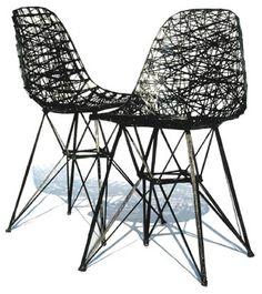 Carbon chair van Bertjan Pot & Marcel Wanders   Hij ontwerpt meestal interieurproducten en is voornamelijk gefascineerd door technieken, texturen, structuren (vaak textiel), patronen en kleuren. Materiaalonderzoek is dan ook het begin van bijna elk product en zijn technische belangstelling en creatieve fantasieën de grenzen van de industriële productie.