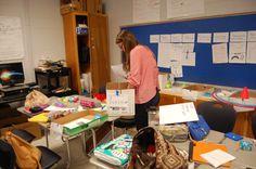 Callie está organizado los juegos para el día.