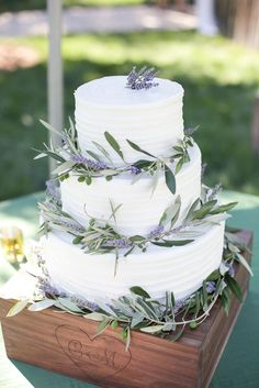 Lavender and Olive Leaf Wedding Cake | JULIE CAHILL PHOTOGRAPHY | COASTSIDE COUTURE | FREEDOM BAKERY & CONFECTION | http://knot.ly/6495BQybP