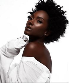 dark skin girl with natural hair Black Is Beautiful, Beautiful Dark Skinned Women, Beautiful Eyes, Beautiful Pictures, Dark Beauty, Beauty Skin, Natural Beauty, Beauty Makeup, Face Makeup