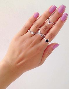 Amazing trends of long nails with pink color to get cute hands.