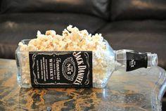 Jackdaniels Whiskey Gifts / Bottle Planter Or Vase / Jack Daniels Gift Boyfriend Birthday / Glass Bowl Serving Dish / Jack Daniels Decor fs - Kitchen waouh - Studentenfutter Jack Daniels Decor, Jack Daniels Gifts, Jack Daniels Bottle, Jack Daniels Party, Jack Daniels Whiskey, Liquor Bottle Crafts, Alcohol Bottles, Liquor Bottles, Glass Bottles