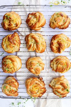 Yummy Eats, Yummy Food, Bread And Pastries, Food N, Cupcake Cookies, Sweet Bread, Bread Baking, Eat Cake, Cravings