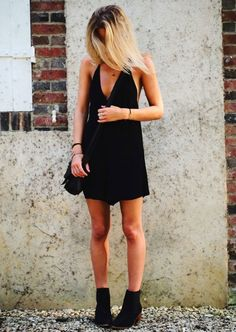 look total black dress ankle boots