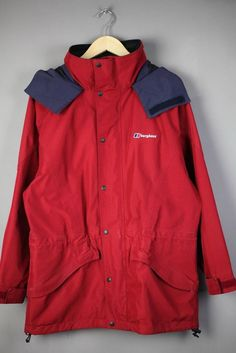 Lovely Womens Berghaus Gore-Tex Jacket Large Waterproof Walking ...