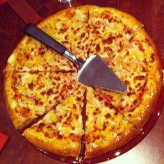 Pizza Hut med @lilllea @hqney @engulbil @karrobarrod @signeaaberg Snart blir det Norlie och KKV!  #pizza #pizzahut #jj #jj_forum #yay #food #instamood #pp #popularpage Pizza Hut med @lilllea @hqney @engulbil @karrobarrod @signeaaberg Snart blir det Norlie och KKV!  #pizza #pizzahut #jj #jj_forum #yay #food #instamood #pp #popularpage