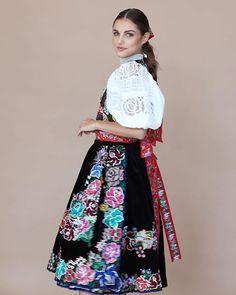 Kultura, Women's Fashion, Floral, Skirts, Fashion Women, Womens Fashion, Flowers, Skirt