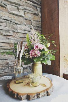 centre de table - centerpiece Native american Glam   #astilbe #fleuristeastilbe…