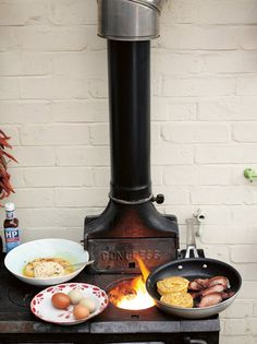 This Brunch Christmas Recipes Jamie Oliver Recipes is a better for your dinner made with awesome ingredients! Jamie Oliver Breakfast, Breakfast Crumpets, Egg Recipes, Cooking Recipes, Easy Cooking, Bread Recipes, Greek Vegetables, Vegetable Kebabs, Smoky Bacon