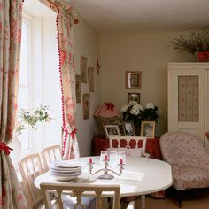 New Home Interior Design: Take a look at this eccentric and nostalgic country cottage