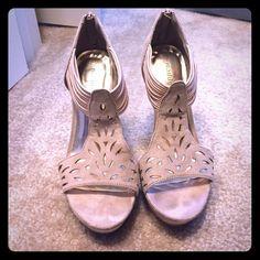 "Madden Girl Pumps 4"" total heel height, 1"" platform. Worn less than 5 times. No trades. Madden Girl Shoes Heels"