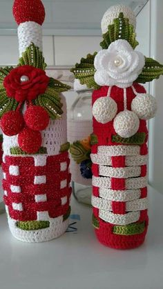 And Lovely Crochet Ideas With Knitting Patterns - Latest ideas information Christmas Crochet Patterns, Holiday Crochet, Christmas Knitting, Crochet Home, Crochet Motif, Crochet Designs, Crochet Crafts, Crochet Flowers, Unique Crochet