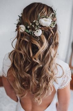 Wedding Hair Half, Wedding Hairstyles For Long Hair, Wedding Hair And Makeup, Wedding Updo, Down Hairstyles, Easy Hairstyles, Wedding Bride, Wedding Ceremony, Indian Hairstyles