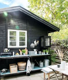 Small Summer House, Small Tiny House, Small Outdoor Kitchens, Small Cottage Garden Ideas, Earthy Home, House Cladding, Wooden Cottage, House On Wheels, Cottage Style