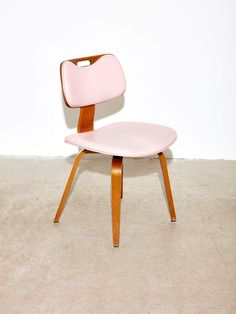 Dining Chairs in the style of Eames