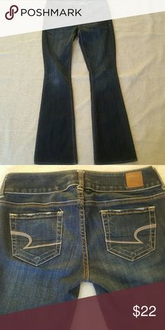 [American Eagle] Artist Flare Jeans Great used condition. Lots of life left for the new owner!   Open to offers! I'd love to hear from you! Thanks for stopping by! American Eagle Outfitters Jeans Flare & Wide Leg