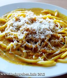Spaghetti mit Kürbissauce  #kürbis #parmesan #pasta #spaghetti