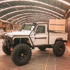 A little dose of awesome with your coffee this morning. Land Defender, Defender Camper, 4x4 Trucks, Cool Trucks, Van 4x4, Homemade Go Kart, Pick Up, Offroader, 4x4 Off Road