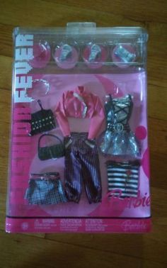 NEW-2006-FASHION-FEVER-COLLECTION-BARBIE-CLOTHES-12-piece-GIFTSET-G8996-J1406
