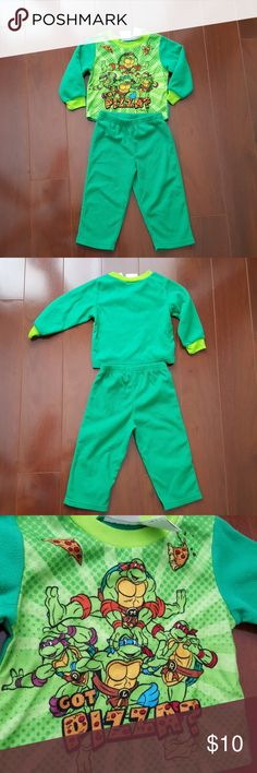 NICKELODEON Tuttle ninjas pjs as 2T Brand - nickelon  Size - 2T 100 % polyester  Excellent used condition  CHECK MY OTHER ITEMS FOR SALE Nickelodeon Pajamas Pajama Sets