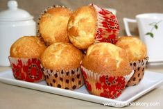 Magdalenas de limón Cop Cake, Cannoli, Mini Cakes, Flan, Cupcake Recipes, Donuts, Bakery, Food And Drink, Cookies