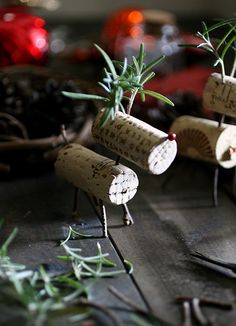 wine cork reindeer, as table decor or tree ornament