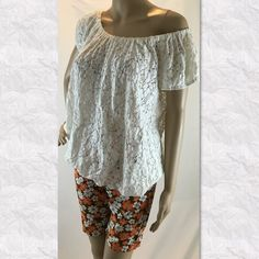 """Jones New York white lace peasant blouse Cute unlined lace top cotton blend fabric measured flat seam to seam pit to pit 22"""" length 25"""" in very good pre-loved condition (location09) Jones New York Tops Blouses"""
