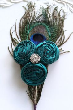Peacock Feather Boutonniere Blue Green Turquoise #ww #wedding