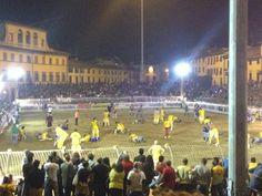 PALLA GROSSA - Prato è gialla - http://www.toscananews.net/home/palla-grossa-prato-gialla/