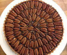 Thanksgiving Recipe // Chocolate Bourbon Pecan Pie