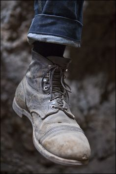 I've been walking a few miles in mine every day for 6 months and they don't look anything like this. Maybe I shouldn't use mink oil on them anymore. Red Wing Iron Ranger, Red Wing Boots, Mens Boots Fashion, Sneaker Boots, Jeans And Boots, Leather Boots, Shoe Boots, Outfits, Irons