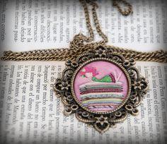 Cameo pendant necklace Illustration : La by porquesuenio on Etsy