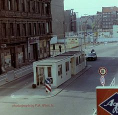 PROMOTIONAL FLYER!!! BERLIN WALL MUSEUM /& CHECKPOINT CHARLIE